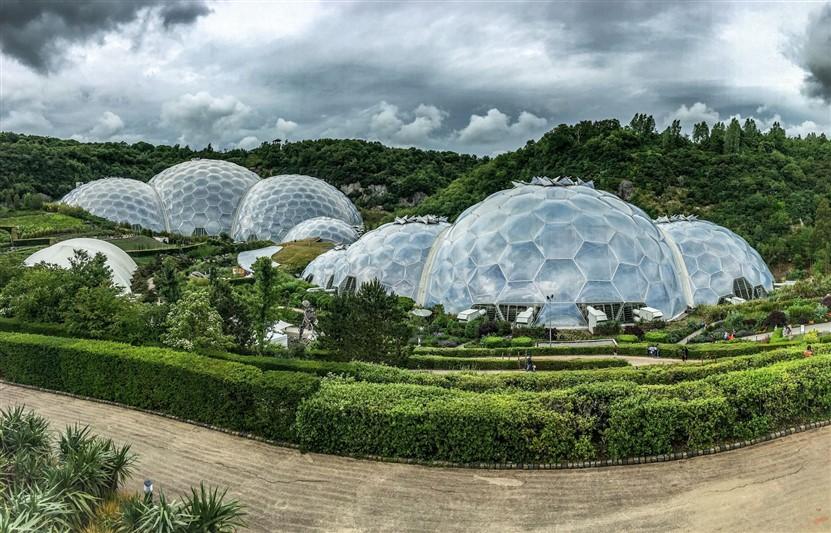 """<img src=""""eden-project-©-shutterstock.jpeg"""" alt=""""The Eden Project""""/>"""
