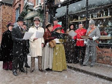 "<img src=""blists-hill-shropshire-christmas-©igm.jpeg"" alt=""Blist Hill Carol Singers""/>"