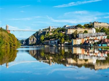 "<img src=""bristol_cliftonbridge©shutterstock.jpeg"" alt=""Clifton Suspension Bridge""/>"
