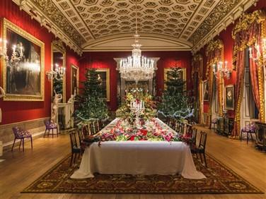 "<img scr>""christmas-2020-great-dining-room©-cht-david-vintiner.jpeg"" alt=""Chatsworth Dining Room""/>"