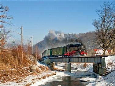 "<img src=""festivesteaminsaxony.jpeg"" alt=""Steam through Saxony train"">"