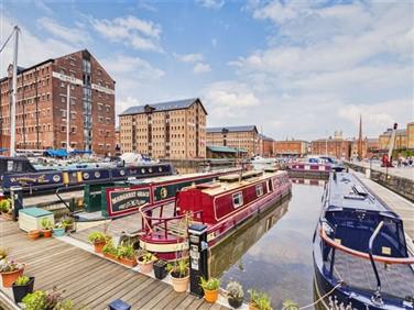 """<img src=""""gloucester_docks_boats©shutterstockresize.jpeg"""" alt=""""Gloucester Docks""""/>"""