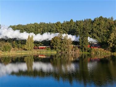 "<img src=""harzerschmalspurbahnenselketalbahn©adobestock.jpeg"" alt=""Selke Valley Railway""/>"
