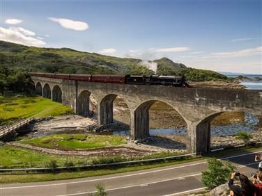 "<img src=""nearingmalliagstation-shutterstock.jpeg"" alt=""Jacobite Steam Train""/>"