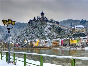 """<img src=""""rhineinwinter.jpeg"""" alt=""""Rhine in Winter"""">"""