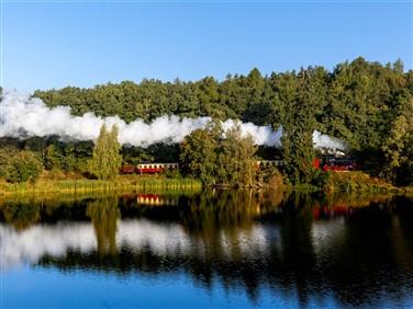 """<img src=""""selketalbahnintheharz©shutterstock_343712621.jpeg"""" alt=""""Selke Valley Railway""""/>"""