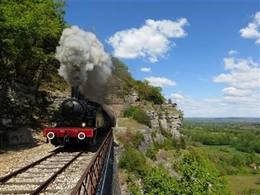 "<img src=""the'truffadou'truffletrain2-©hqtr.jpeg"" alt=""Truffle Train""/>"