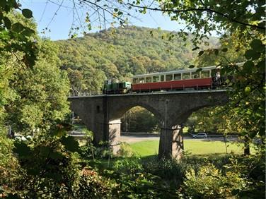 """<img src=""""vulkanexpressdiesel-2013030_viadukt_touristinformation-brohltal.jp"""" alt=""""Vulkan Express""""/>"""