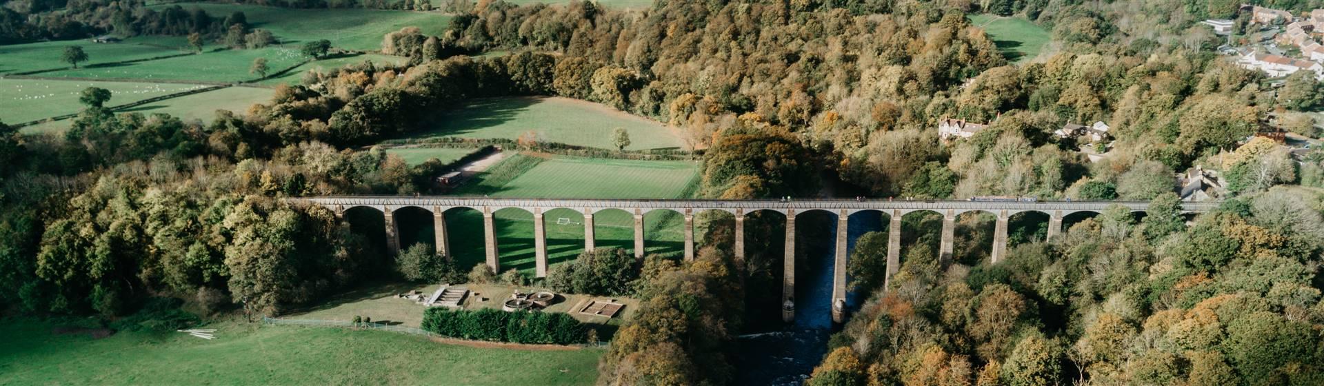 "<img src=""pontcysyllteaqueduct-header-shutterstock_1331859341.jpeg"" alt=""Pontcysyllte Aqueduct""/>"