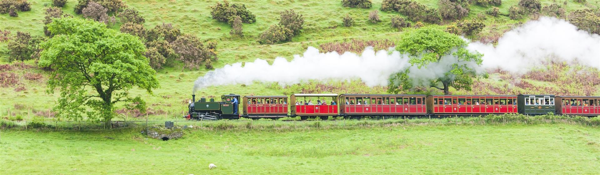 "<img src=""talyllyn_railway©shutterstock.jpeg"" alt=""Talyllyn Railway""/>"