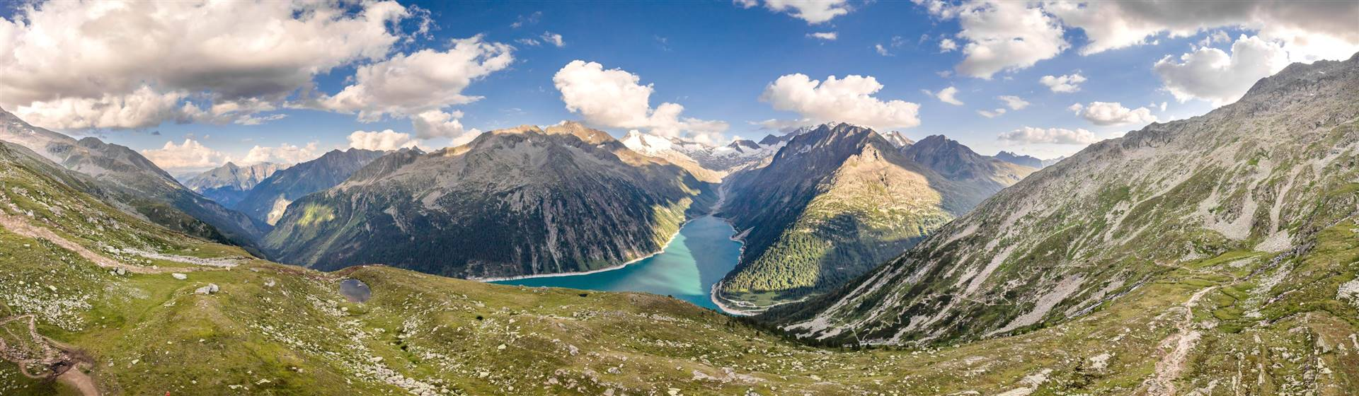 """<img src=""""zillertalalpspan-shutterstock.jpeg"""" alt=""""Zillertal Alps""""/>"""
