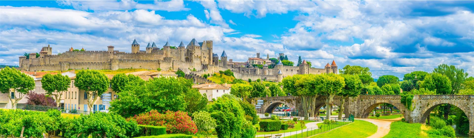 "<img src=""carcassonne-shutterstock_1171833571.jpeg"" alt=""Carcassonne Castle"">"