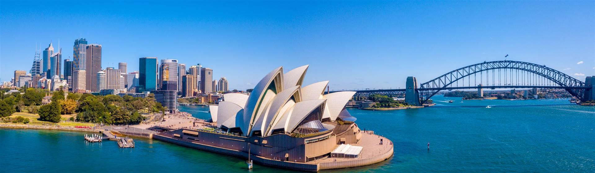 "<img src=""worldwidetours-shutterstock.jpeg"" alt=Sydney Harbour""/>"