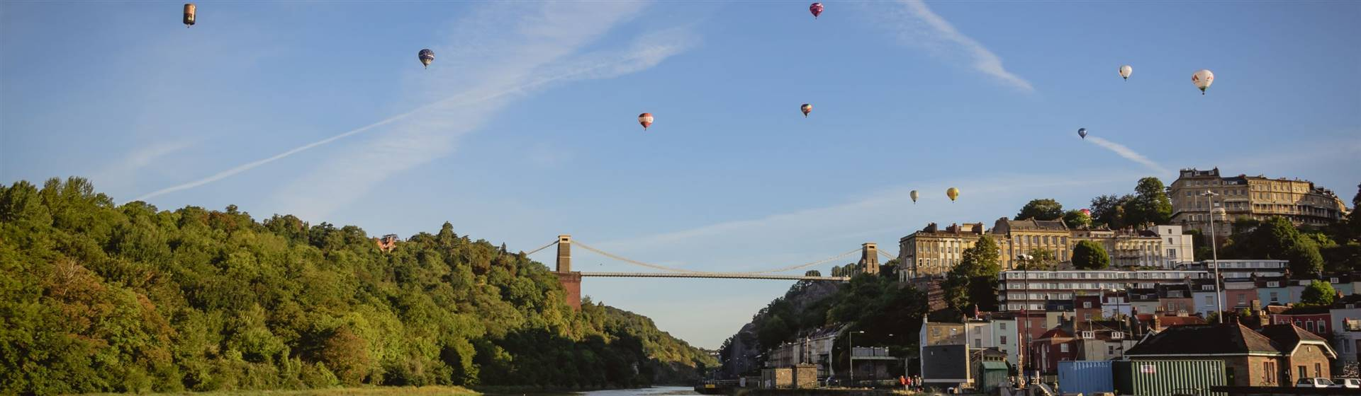 "<img src=""liftonsuspensionbridge-shutterstocklr.jpeg"" alt=""Clifton Suspension Bridge""/>"