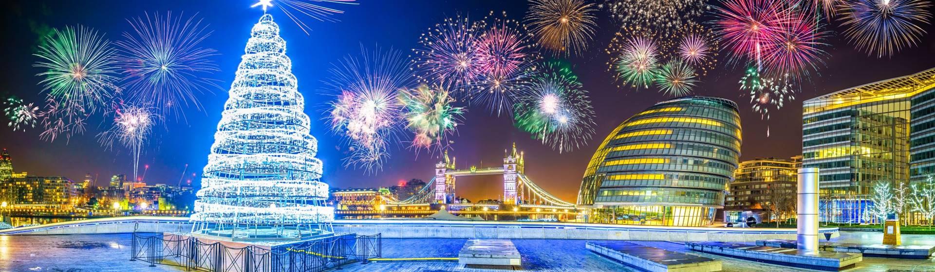 "<img src=""londonchristmasshutterstock.jpeg"" alt=""London Festive""/>"