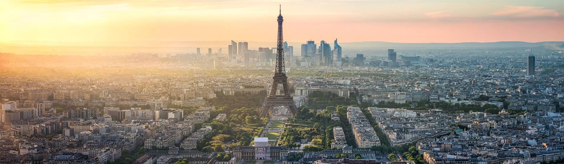 "<img src=""pariswitheiffeltower-shutterstocklr.jpeg"" alt=""Paris - France""/>"