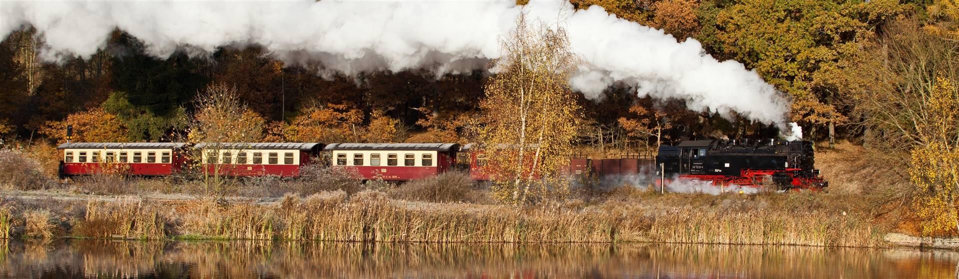 "<img src=""selketalbahnautumnadobestock_47666444.jpeg"" alt=""European Autumn""/>"