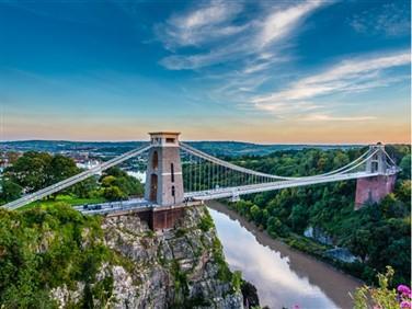 "<img src=""clifton_suspension_bridge©shutterstock.jpeg"" alt=""Clifton Suspension Bridge""/>"