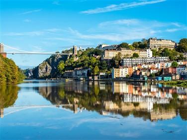 "<img src=""cliftonsuspensionbridge©shutterstock.jpeg"" alt=""Clifton Suspension Bridge""/>"