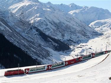 "<img src=""glacierexpress-shutterstock.jpeg"" alt=""Glacier Express""/>"