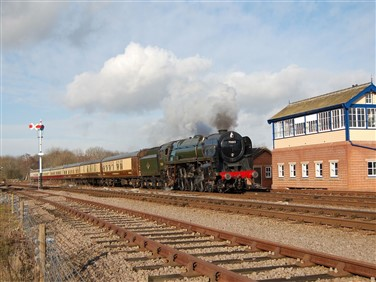 "<img src=""greatcentralsteamtrain.jpeg"" alt=""Great Central - Steam Train""/>"