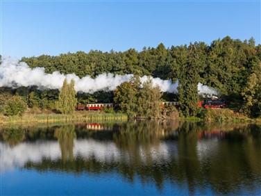 "<img src=""hsbsteamtrain©-adobestock.jpeg"" alt=""HSB Steam Train - Germany""/>"