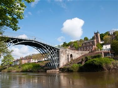 "<img src=""ironbridge_gorge©shutterstock.jpeg"" alt=""Shropshire""/>"