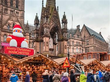 """<img src=""""manchesterchristmas-shutterstock.jpeg"""" alt=""""Manchester Festive""""/>"""