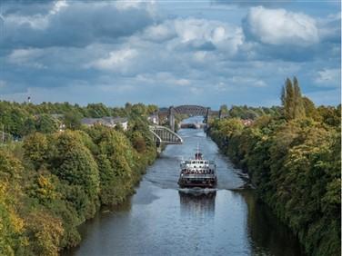 """<img src=""""merseyferry.jpeg"""" alt=""""Mersey Ferry""""/>"""
