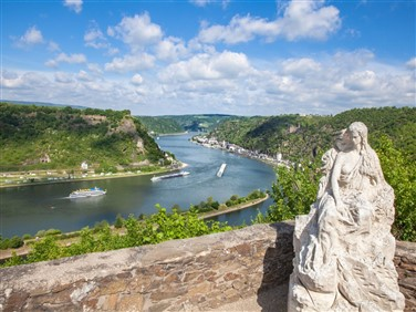 "<img src=""rhinevalleylandscape©shutterstock.jpeg"" alt=""Rhine Valley - Germany""/>"