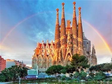 "<img src=""sagradafamilia-shutterstock.jpeg"" alt=""Sagrada Familia""/>"